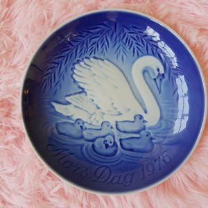 Vintage Collectible Mother's Day Plate